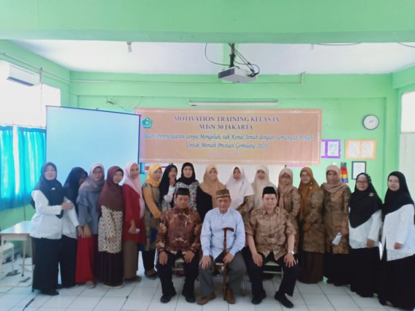 Training Motivasi Siswa Kelas IX MTs Negeri  30 Jakarta